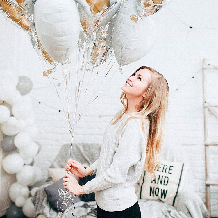 Vera Antamanova is telling about how to become a blogger on Instagram, success story